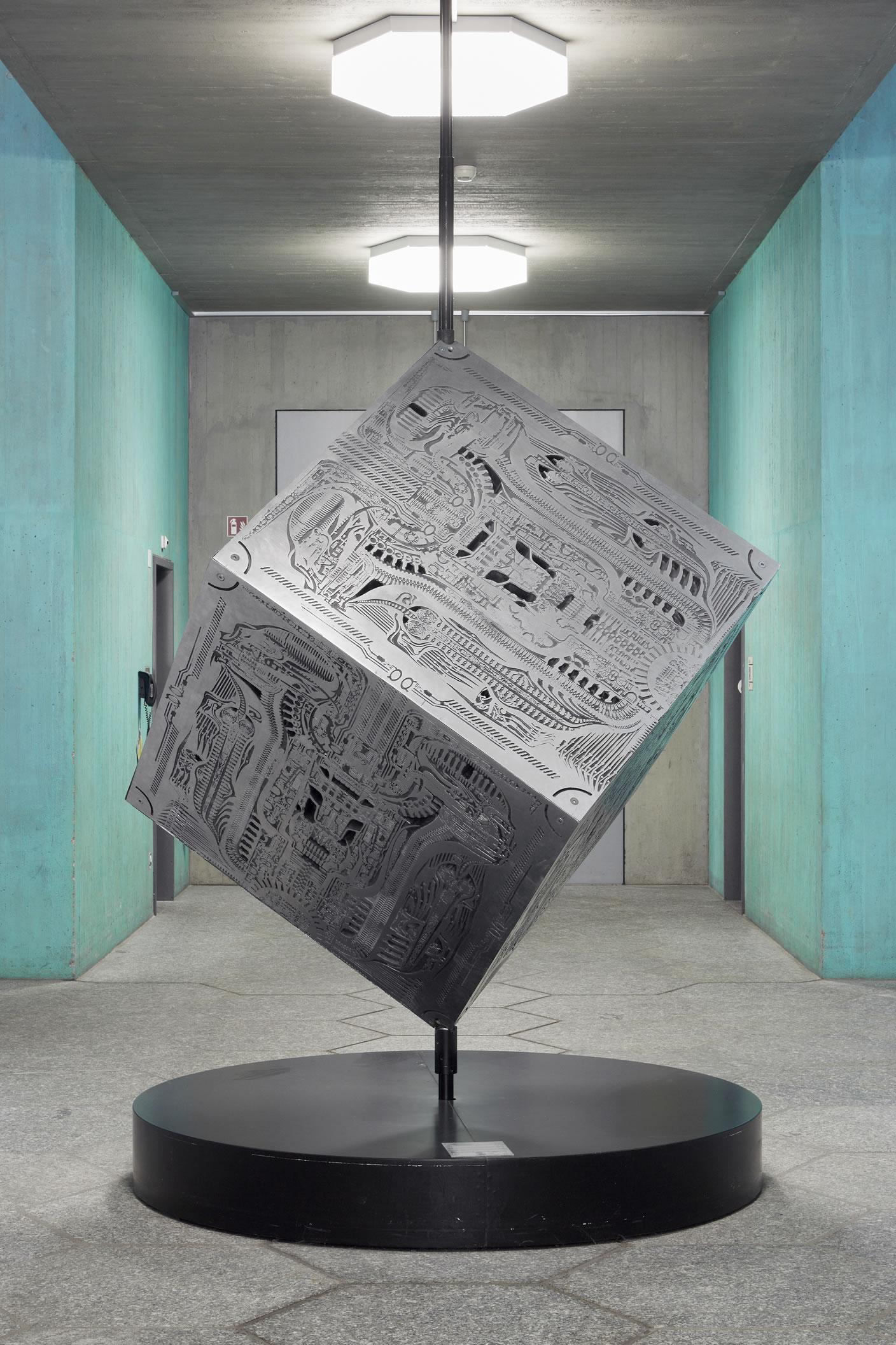 Biomechanoid Cube, 2002